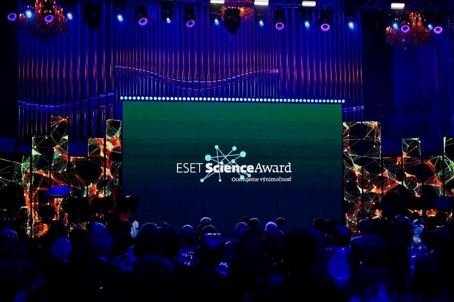 Нагородження премією ESET Science Award відбудеться 14 жовтня 2020 року.