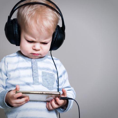Небезпеки, які підстерігають дітей в соціальних мережах - дослідження ESET.