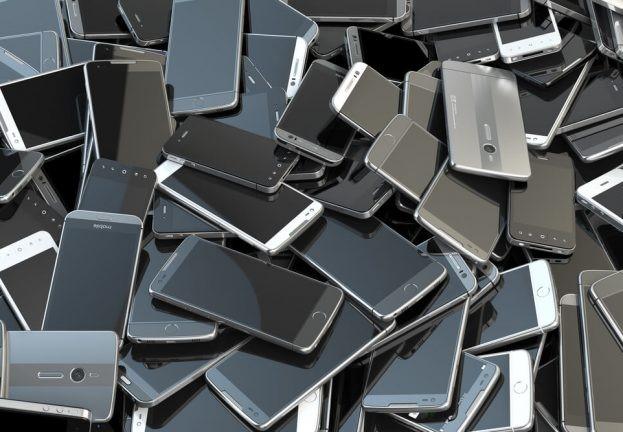 Видаліть всі налаштування телефона, щоб уникнути передачі доступу до своїх облікових записів - рекомендації ESET.