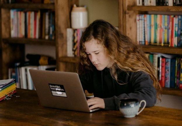 Мошенники через мессенджеры соцсетей выманивают деньги у подростков. ESET.