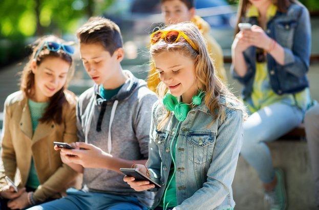 Мошенники привлекают внимание подростков брендовой одеждой по заниженной стоимости. ESET.